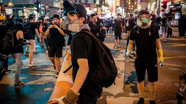 這個夏天香港發生了什麼?7分鐘震撼視頻告訴你