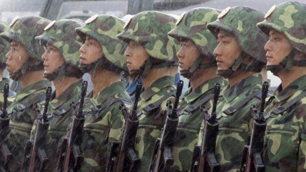 驻港部队司令翻脸 紧跟北京表态香港事件