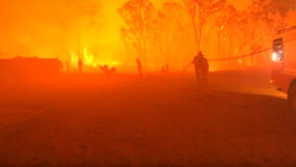 强风助长 澳洲野火失控 悉尼机场暂闭