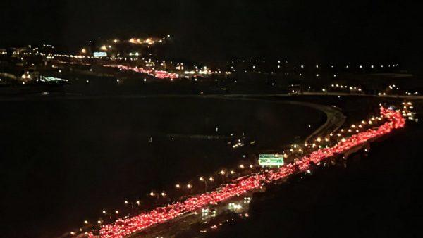 震撼!5千私车接示威者 港重演敦克尔克大撤退