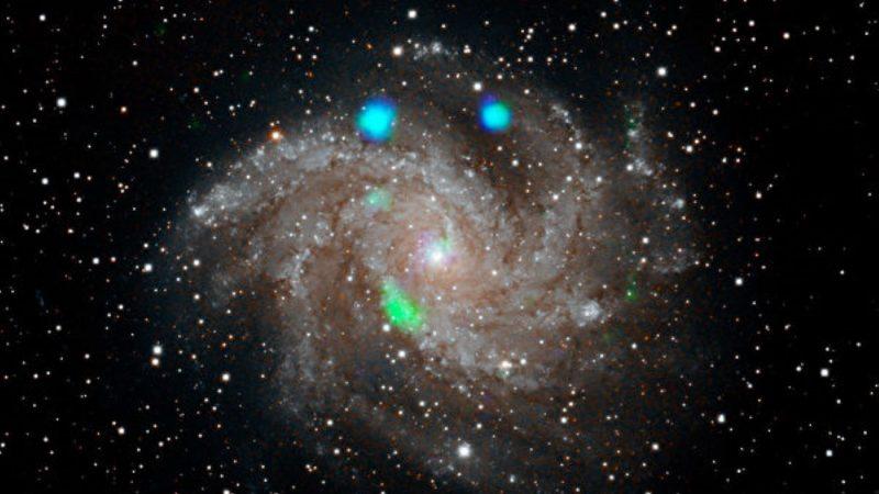 宇宙乍现神秘绿闪光 或来自黑洞