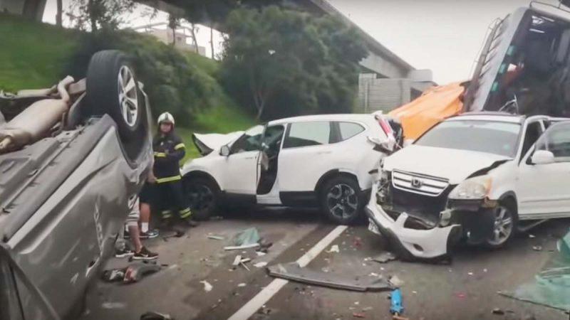 台国道林口段7车追撞 酿7伤回堵数公里