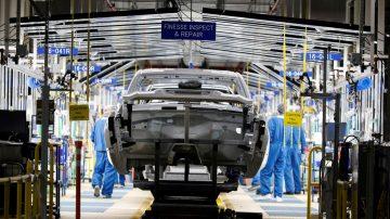 美8月工業生產意外攀高 景氣展望不容樂觀