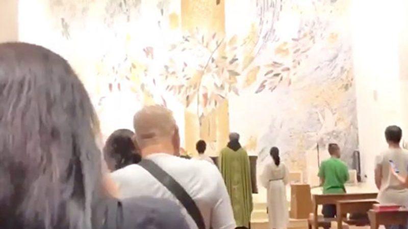 《願榮光歸香港》唱進教堂 反送中抗爭持續漫延