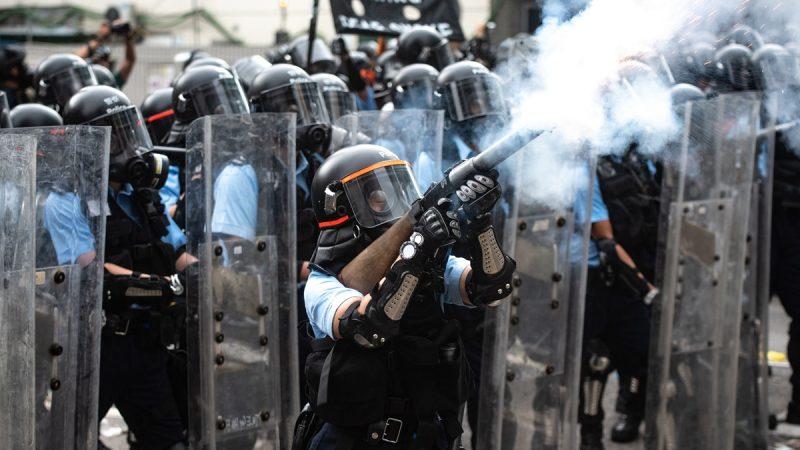 港警拘反送中民眾1556人 12至83歲都有