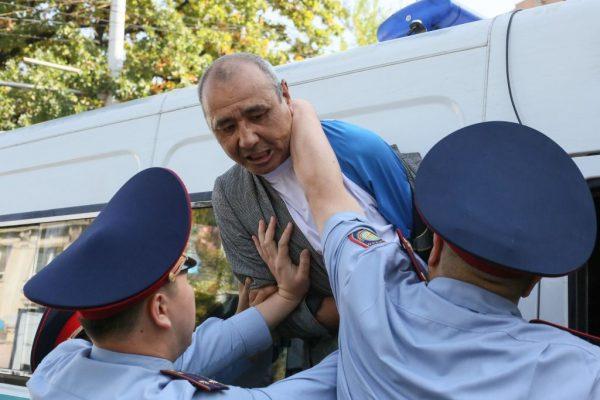 不滿中共影響日增 哈薩克斯坦爆示威衝突