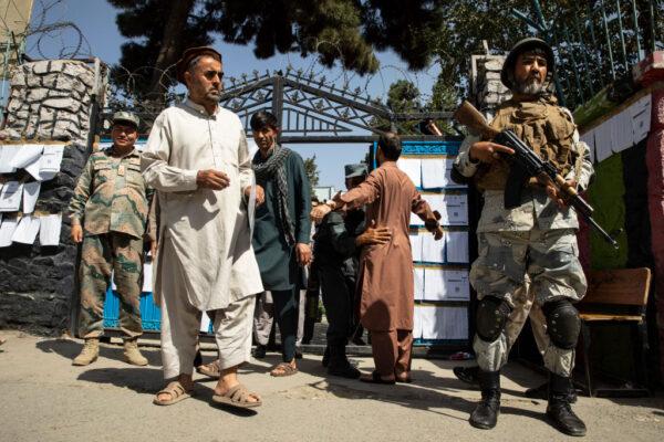 阿富汗总统大选 塔利班连串攻击至少9死逾百伤