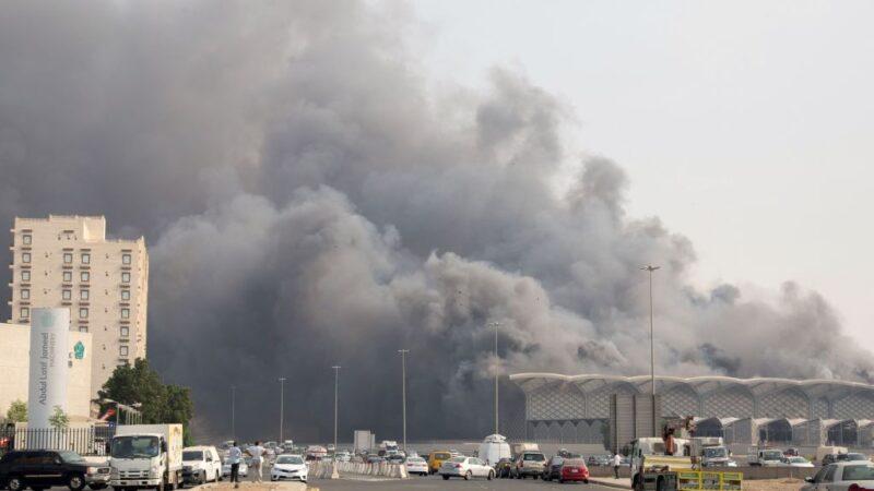 滾滾濃煙竄出 沙特吉達高鐵車站大火至少5傷