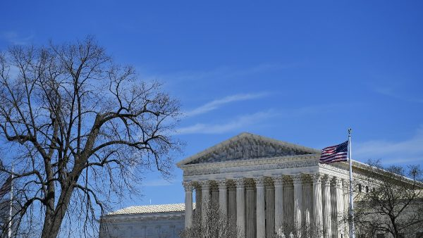 川普庇護新規獲勝 最高法院准全國範圍執行