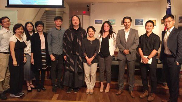 數位政委唐鳳與「2019總統盃黑客松」得獎團隊在紐約分享如何以科技創新方案落實聯合國「永續發展目標」(SDGs)