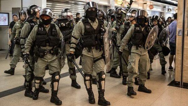 组图:9.22示威再聚旺角警署 港警乔装抓人