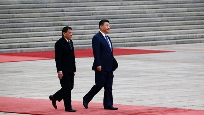 习近平说悄悄话 杜特尔特:他因香港而烦躁
