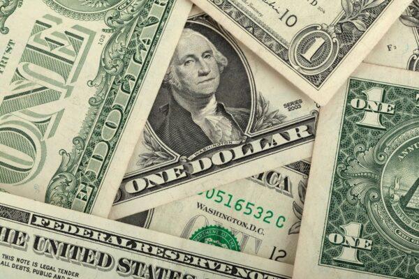 美元指数第三季涨3.4% 创下两年多新高价