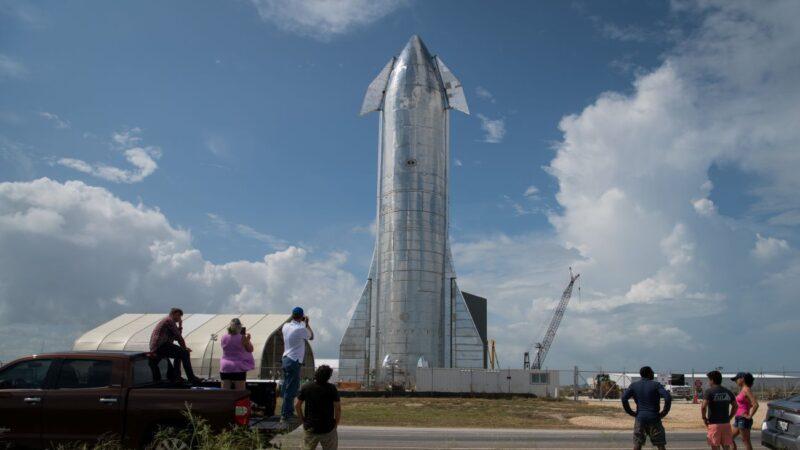 """SpaceX""""星际飞船""""面世 可重复使用"""
