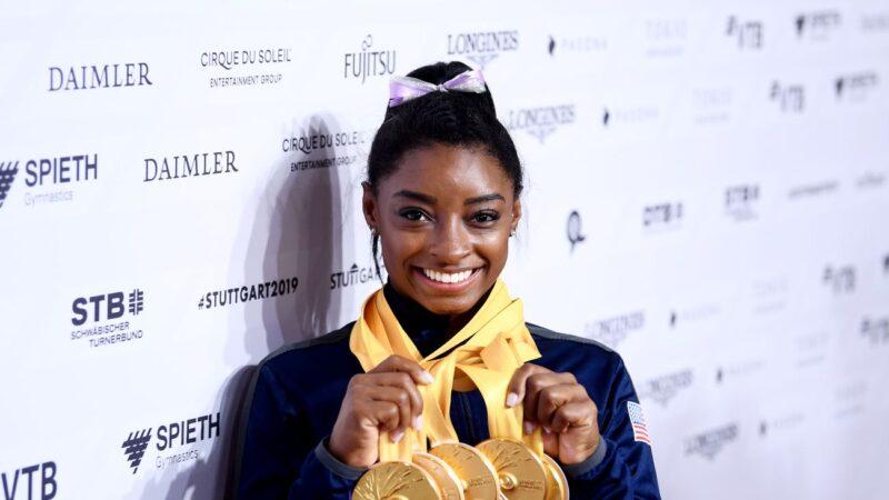 世界体操锦标赛 美国女将拜尔斯独揽五金
