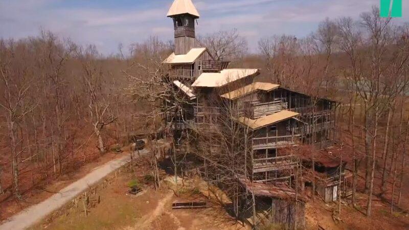 田納西州「世上最高樹屋」大火 14年心血付之一炬