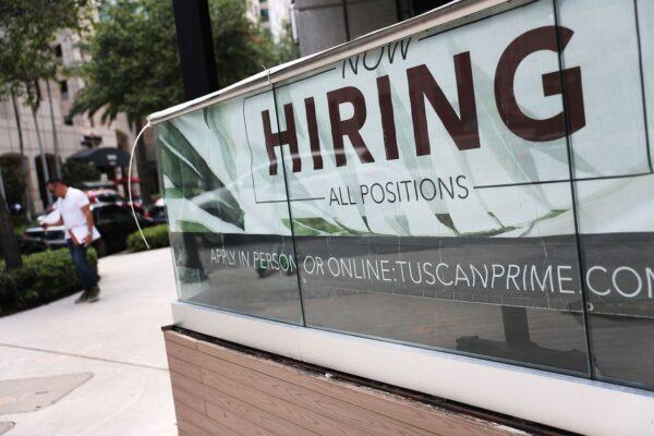 美私企9月份增加13.5萬個工作崗位