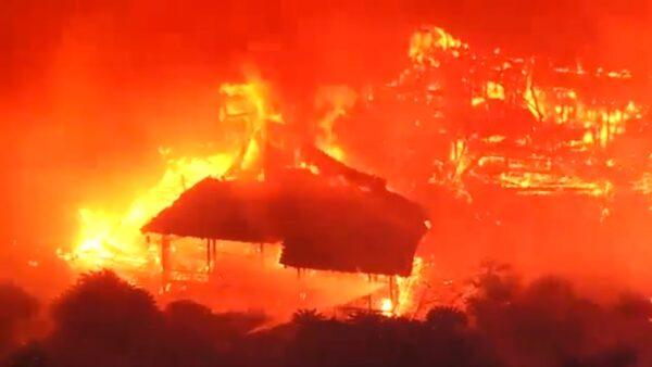 冲绳首里城冲天大火 正殿等6建筑物全烧毁