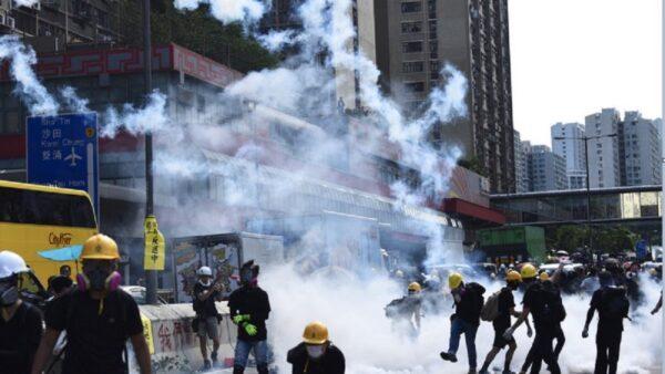 传港警催泪弹库存耗尽 或使用中国制替代