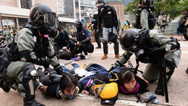 五个香港女孩的故事 街头抗争让她们一夜长大