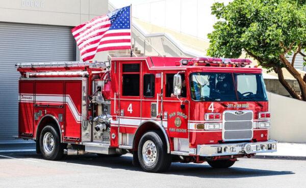 为什么消防车是红色的?最早的消防车源自哪里?(视频)