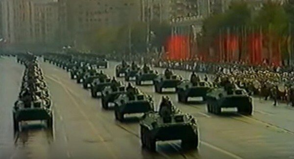 揭秘:那场大阅兵不久 政治局突发政变