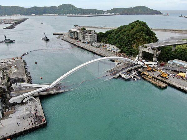 南方澳跨港大桥检测报告 伸缩缝变形损坏沉陷