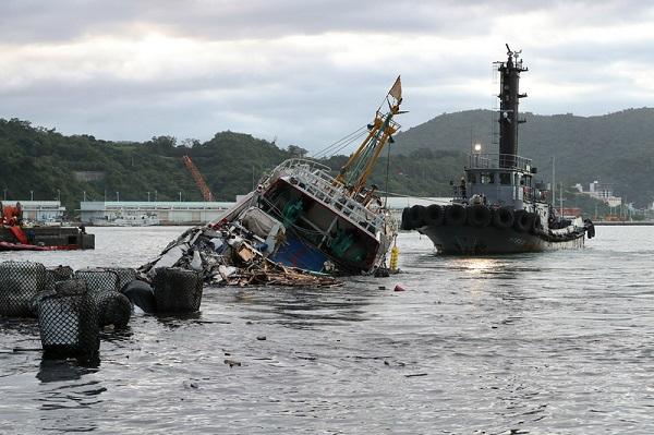 南方澳桥断 渔船主情绪崩溃:都在开会没搜救