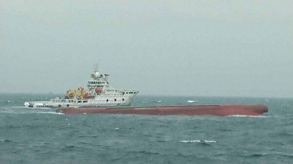 陆2艘抽砂船翻覆12人失踪 中港台齐救援