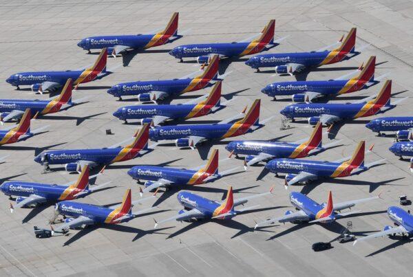 西南航空飞行员控告波音 蓄意误导737 MAX资讯