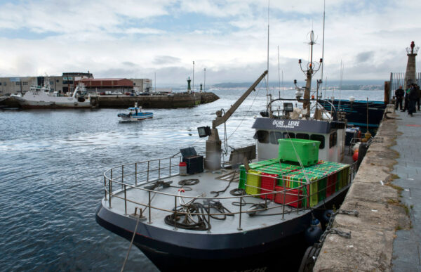 海上追毒贩 西班牙警落水被私枭救起