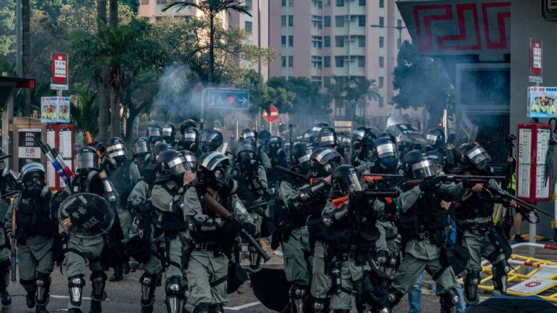 外媒:港警暴力成乱源 越施暴抗争百姓越多