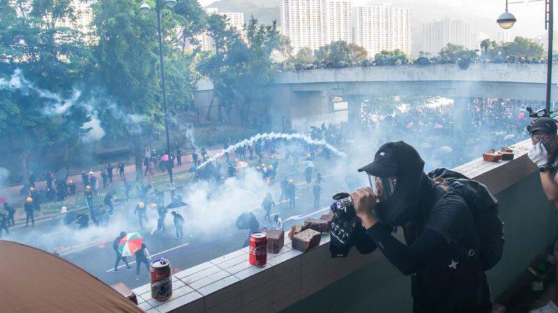 媒體:被港人啪啪打臉 中共十一灰頭土臉