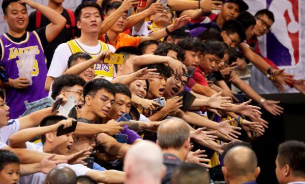 """NBA引发中国""""分裂"""" 球迷怒呛小粉红:支持上海独立!"""