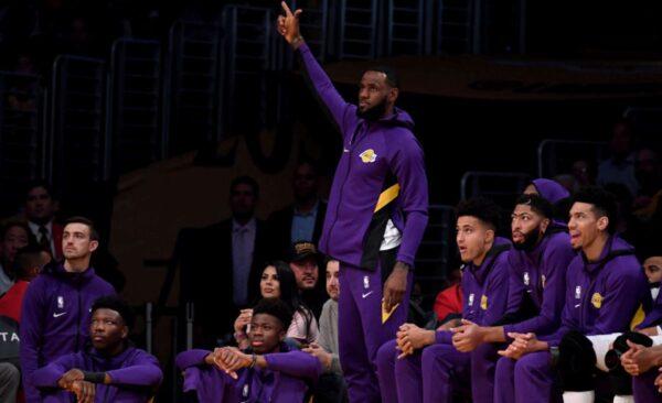 NBA球星詹姆斯批莫雷 全美輿論大嘩反嗆