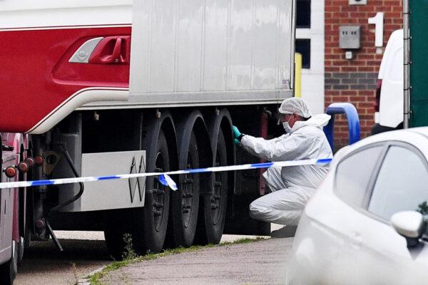 《石涛聚焦》英国偷渡惨案最新:再抓两名司机 其余遇难者来自福清 长乐 另2辆偷渡货柜成功登陆