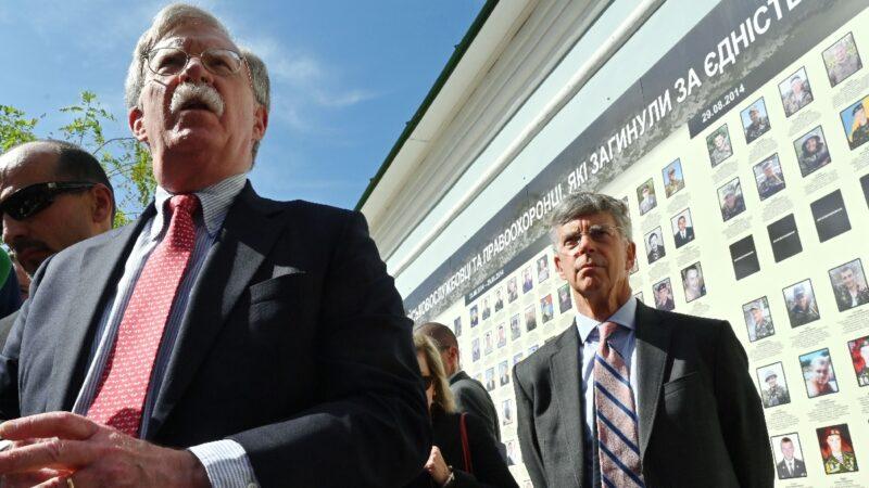 彈劾調查「最有力」證據泰勒證詞 被共和黨90秒粉粹