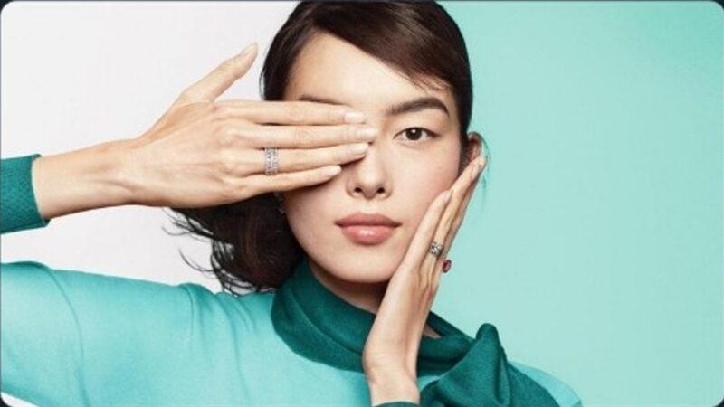 戳中小粉红玻璃心?Tiffany 遮眼广告又掀风波