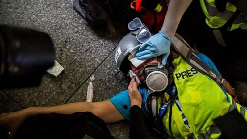 港警逮捕記者強扯面罩 記協齊譴責