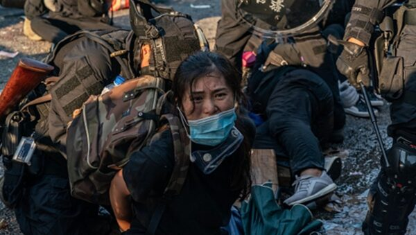 """传""""秘密特工""""进入香港 对示威者密捕灭口"""
