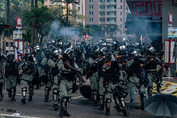 美权威机构:中共派人冒充港警 性侵灭口示威者