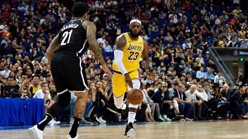 """NBA上海赛事观众爆满 小粉红崩溃:""""丢脸、白骂了!"""""""