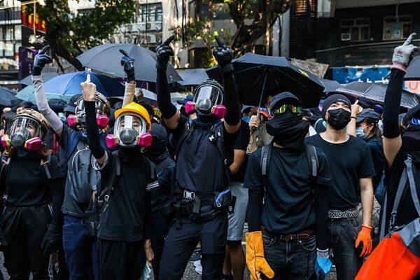 分析:毒牙早咬進香港 港人才感到入骨三分