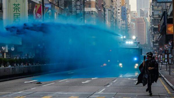 水炮車放毒?綠色和平:藍色水含有毒化合物