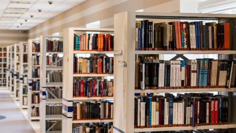 中共「不宣而戰」 不公開封殺所有美籍書刊出版