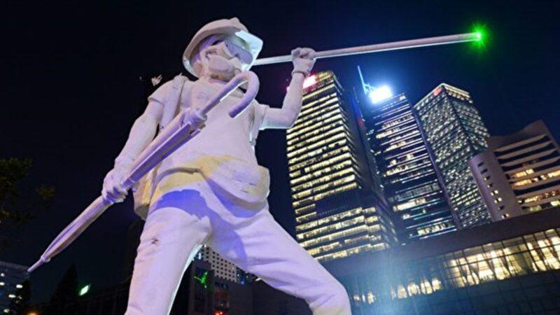 《愿荣光归香港》作者新作《不屈进行曲》