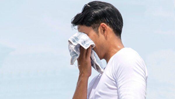 中医:3个部位出汗有风险 身体拉警报了