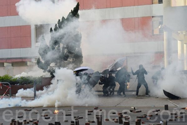 拍理大抗争画面被抓 台公视导演邓卓儒获保释