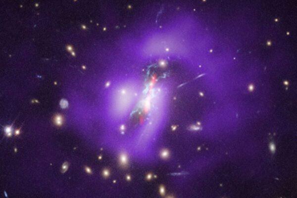史上首次 科学家证实黑洞深处诞生大量恒星