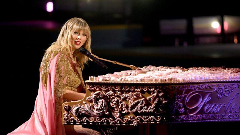 全美音樂獎揭曉 泰勒捧6獎 獲獎總數破紀錄